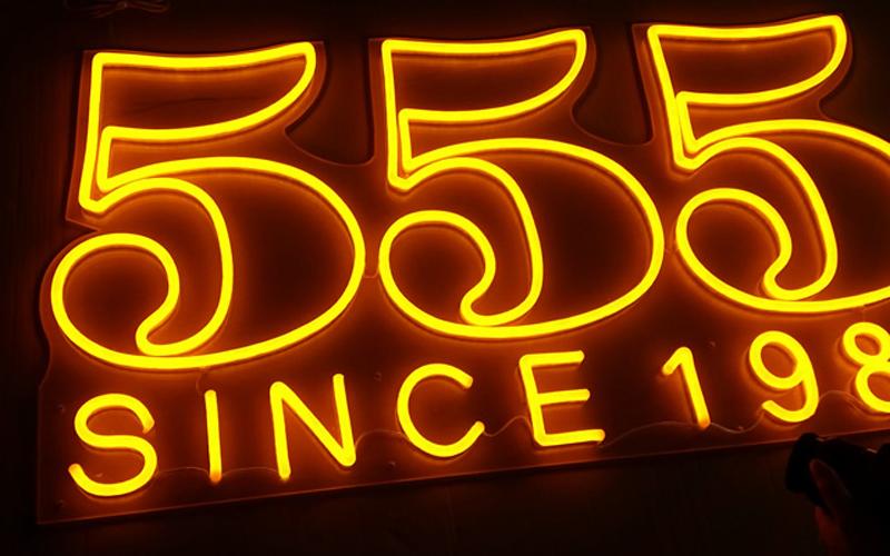 Địa chỉ tư vấn thi công thiết kế Neon Sign giá rẻ tại Hà Nội 1