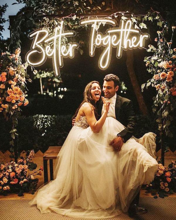 Đèn Neon Sign-Backdrop cho tiệc cưới xu hướng mới nhất năm nay 1