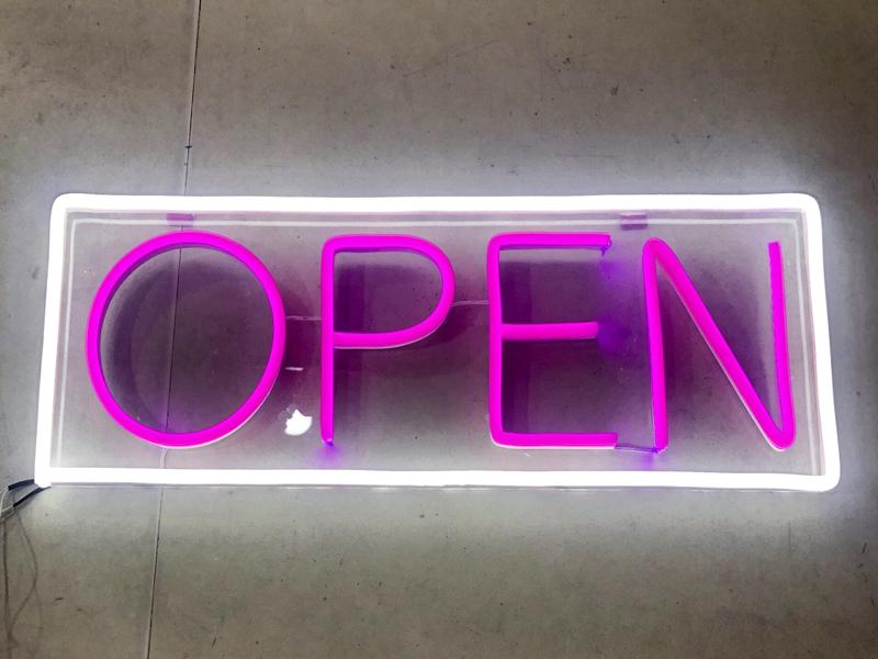 Uốn chữ Neon Sign có giá đắt hay rẻ hơn so với Neon thủy tinh truyền thống 3