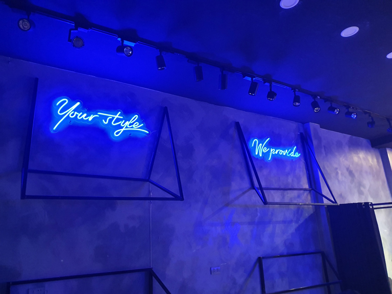 Uốn Chữ  Neon Sign- Điểm nhấn cho shop thời trang thời thượng  4